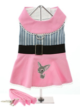 Little Lily Harness Dress & Lead - Our Little Lily Harness Dress is a chic-reto design inspired by the dresses worn by the Hollywood stars of the 1960's. You can now join in the fun and create your very own movie star with our beautiful Little Lily Harness Dress. Made from 100% cotton, embroidered with a cute motif and a black fabric...